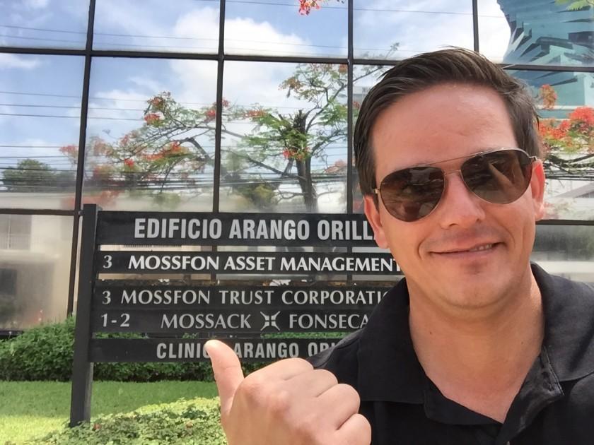 Zurück in Panama City - Das Büro von Mossak und Fonseca war an diesem Tag leider geschlossen. Man glaubt nicht wie klein dieses Bürogebäude ist - besonders im Vergleich zu den vielen anderen Hochhäusern.